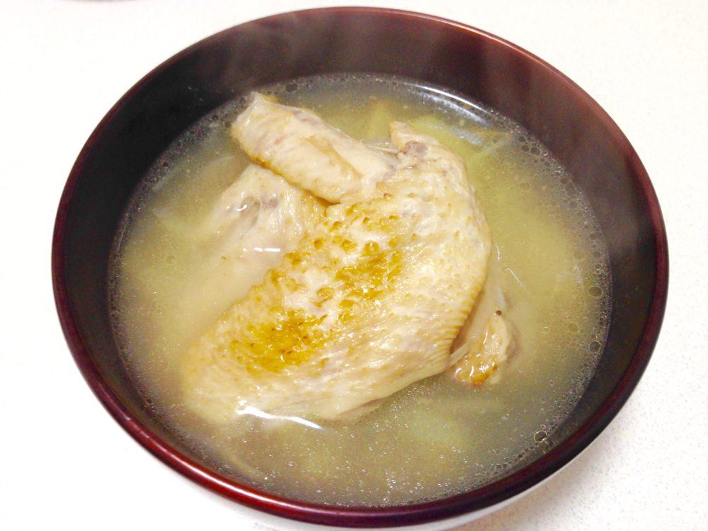 鶏手羽先と生姜のぽかぽかスープ